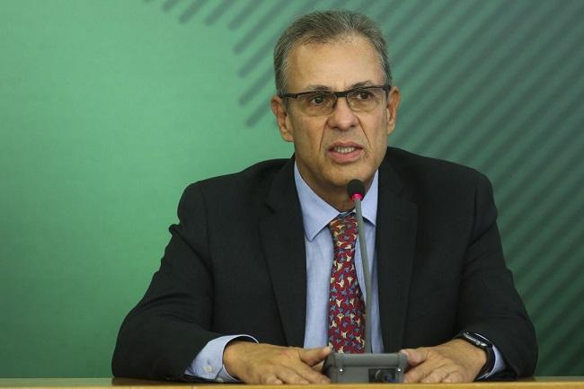"""Programa nuclear é prioridade para o Brasil"", diz ministro Bento Albuquerque"