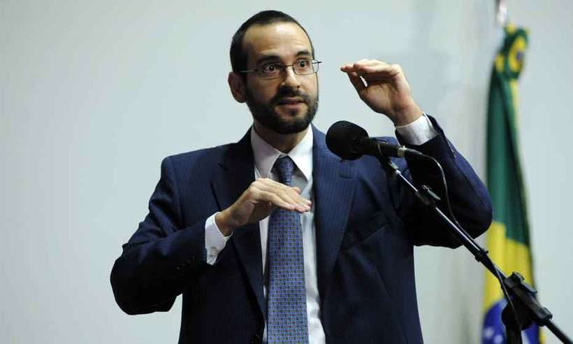 Bolsonaro anuncia Abraham Weintraub como novo ministro da Educação