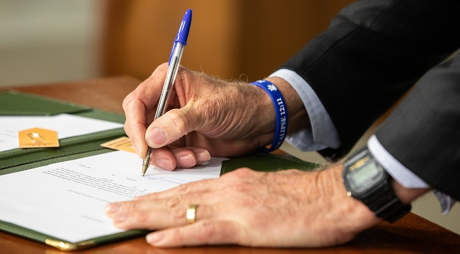Bolsonaro envia à Câmara projeto sobre excludente de ilicitude