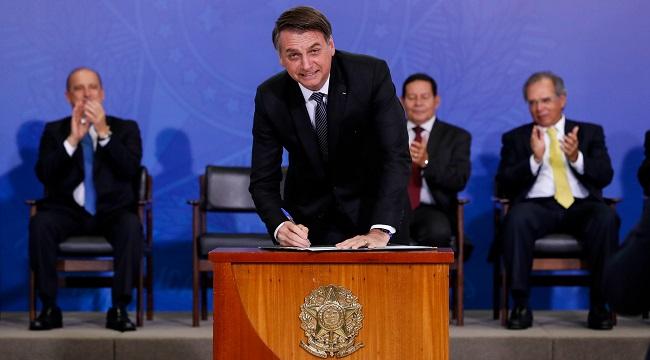 Bolsonaro nomeia quatro reitores de instituições federais