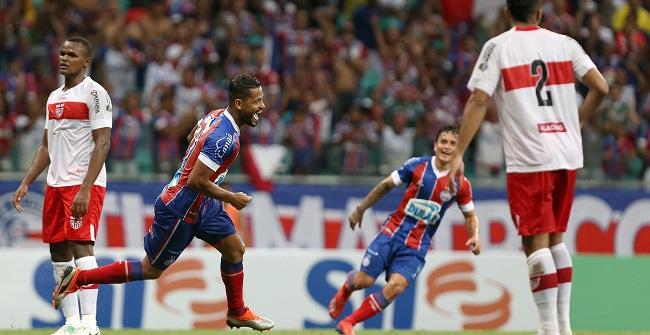 Nos acréscimos, Bahia faz 1 a 0 no CRB e avança na Copa do Brasil; veja o gol
