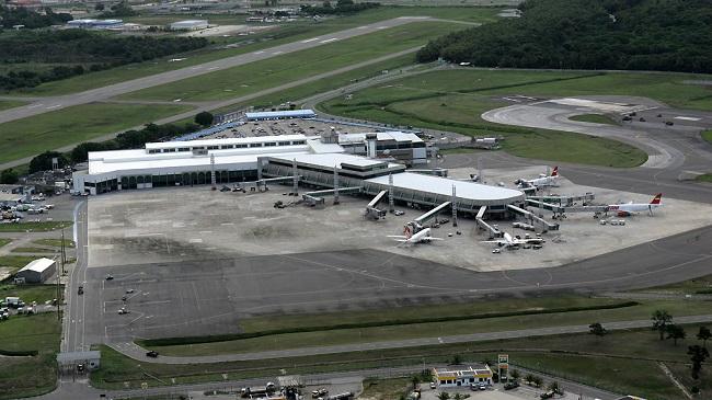 Mau tempo cancela voos no aeroporto de Salvador nesta segunda