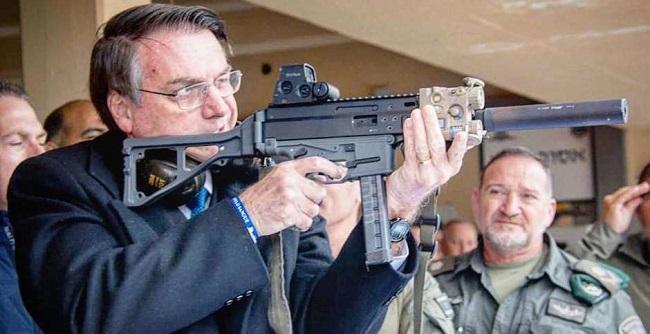 Bolsonaro vai assinar decreto para caçadores, atiradores e colecionadores na terça