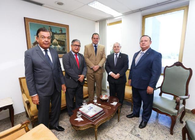 Nelson Leal trata do fechamento de comarcas do interior com o presidente do TJ-BA