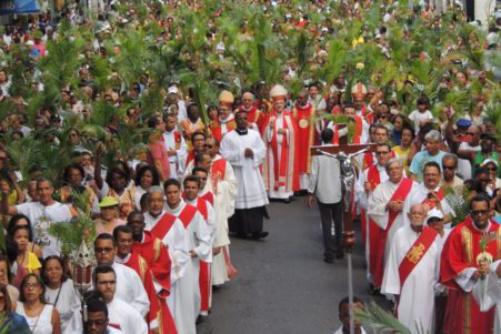 Arquidiocese de Salvador realiza procissão e missa campal neste Domingo de Ramos