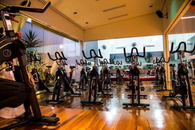 Alpha Studios promove aulão de spinning em heliponto de Salvador