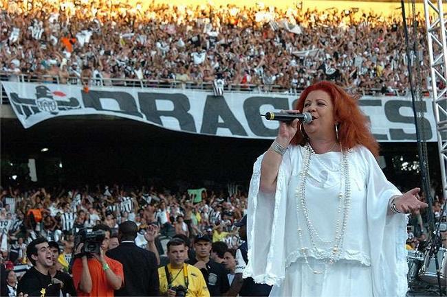 Sambista Beth Carvalho morre aos 72 anos no Rio de Janeiro