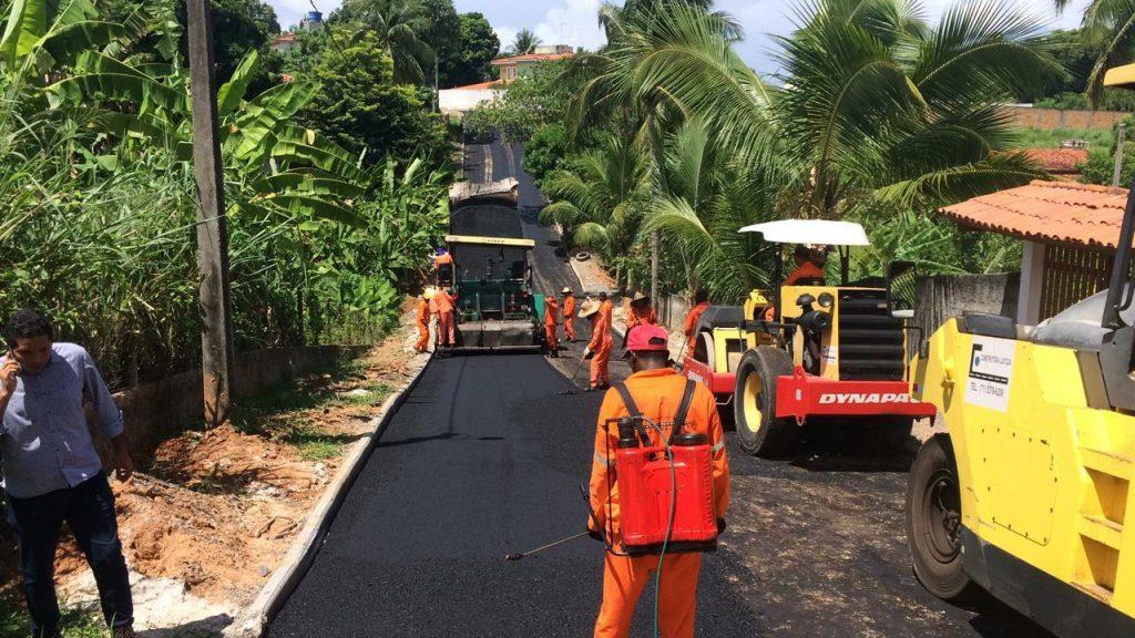 Bairros da Costa de Camaçari recebem pavimentação asfáltica