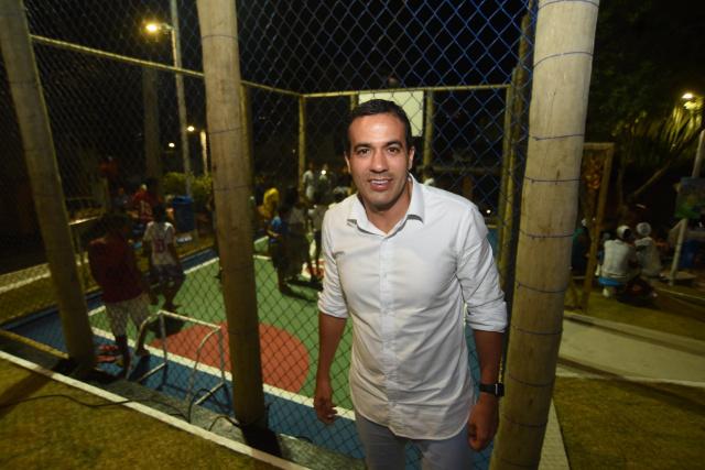 Bruno Reis entrega espaço de lazer à comunidade do Bosque Real