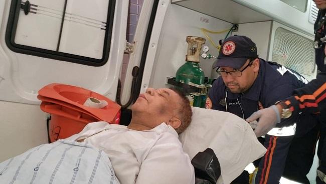 Agnaldo Timóteo é transferido para o Hospital Roberto Santos em Salvador