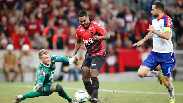 Fora de casa, Bahia leva 1 a 0 do Athletico-PR; veja o gol