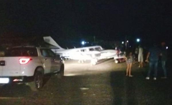 Avião com Amado Batista realiza pouso de emergência em Jequié