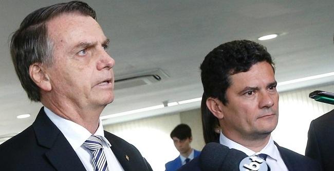 """Confiamos irrestritamente no ministro Moro"", diz Bolsonaro"