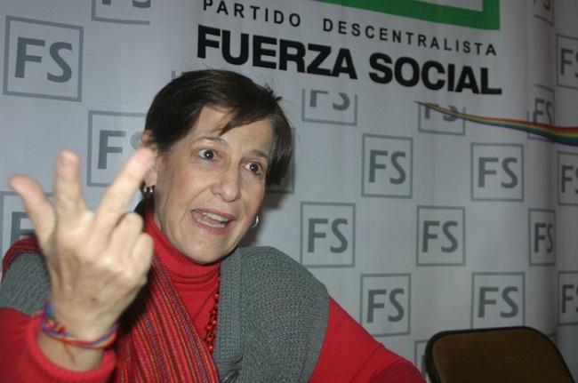 Ex-prefeita de Lima admite ter recebido US$ 4 milhões da OAS e da Odebrecht