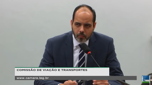 Governo pede aprovação da MP que autoriza até 100% de capital estrangeiro em aéreas