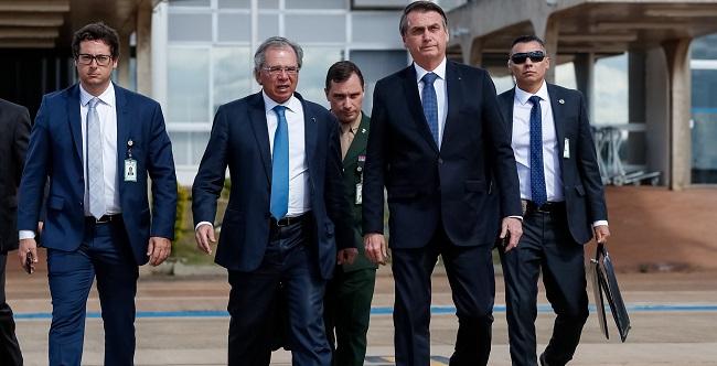"""""""Estou otimista que a reforma será aprovada com pouca desidratação"""", diz Bolsonaro"""