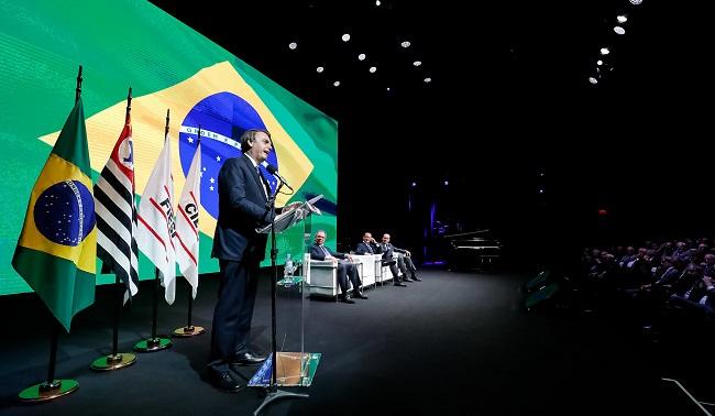 """""""Guedes vai diminuir impostos em quantidade e porcentual também"""", diz Bolsonaro"""