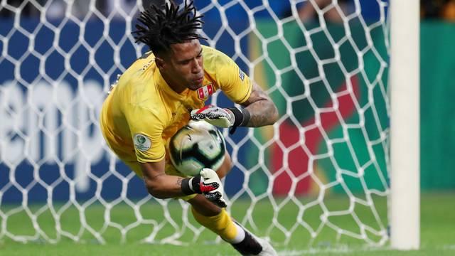 Peru despacha o Uruguai nos pênaltis e vai enfrentar o Chile