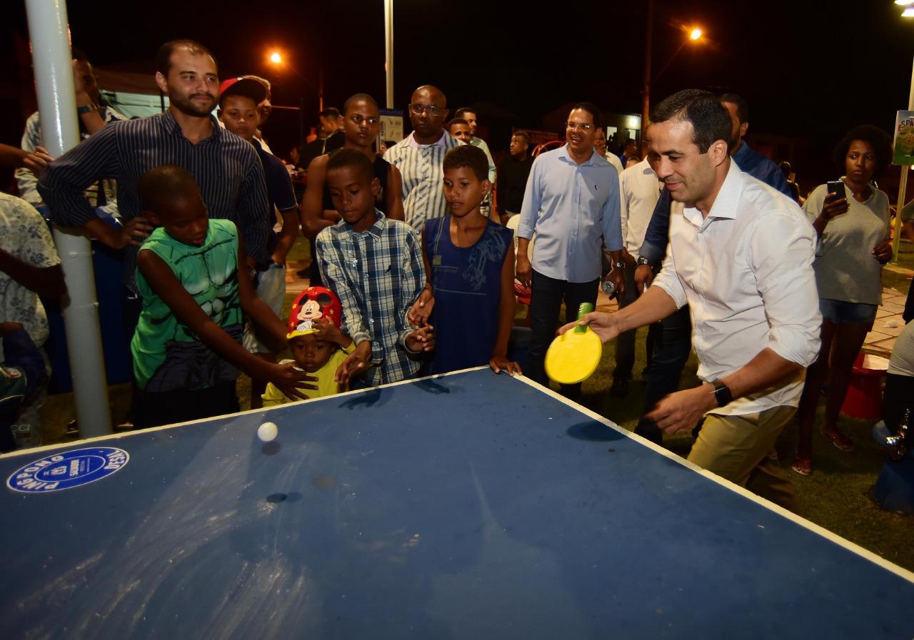 Bruno Reis entrega Praça da Resiliência a moradores de Cassange