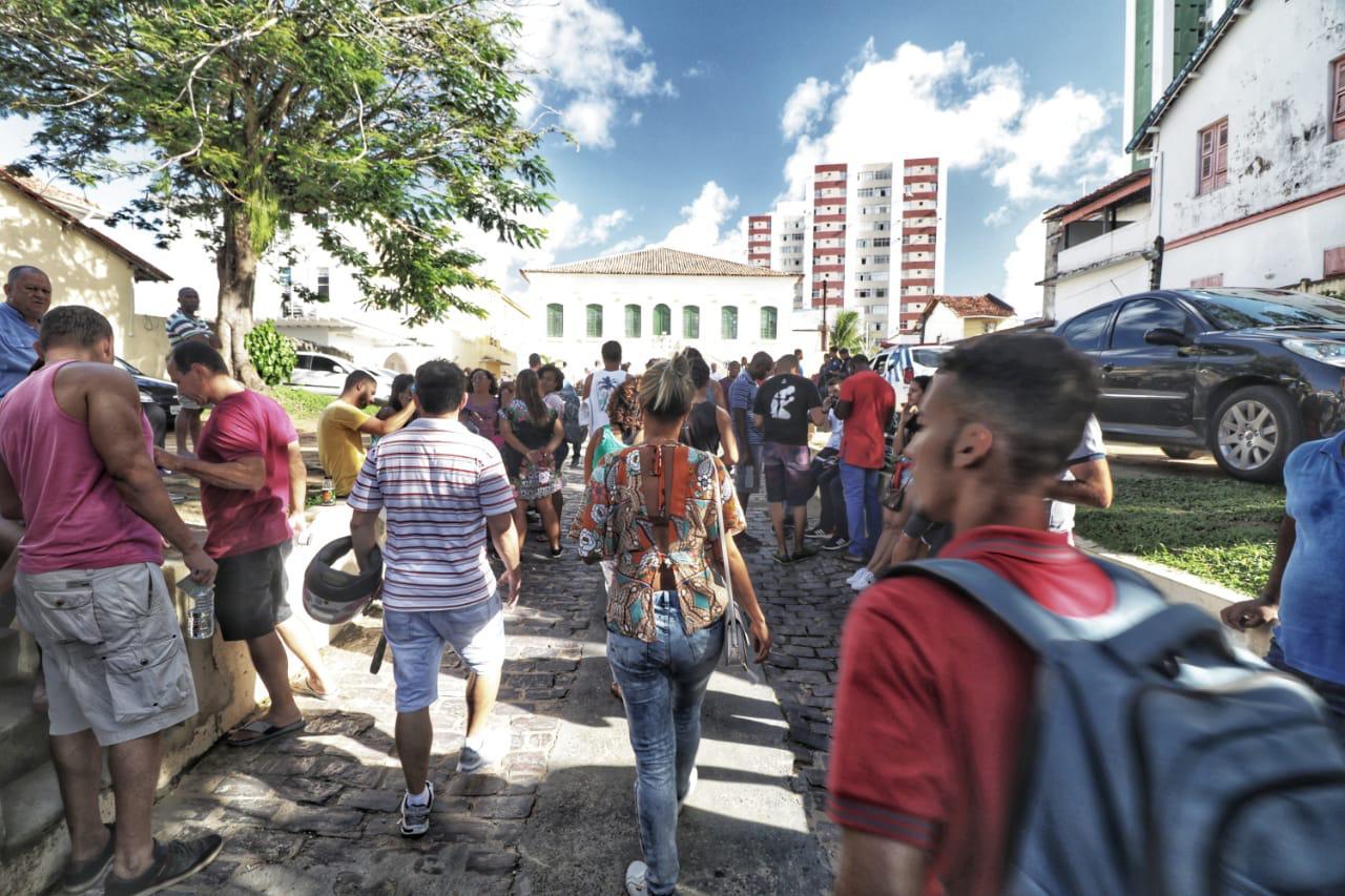 Quase 100 mil candidatos fizeram concurso da Prefeitura de Salvador neste domingo