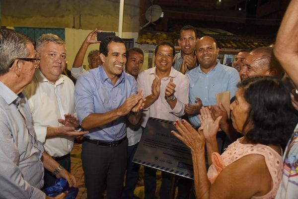 Bruno Reis inaugura praça na comunidade da Baixa da Urbis