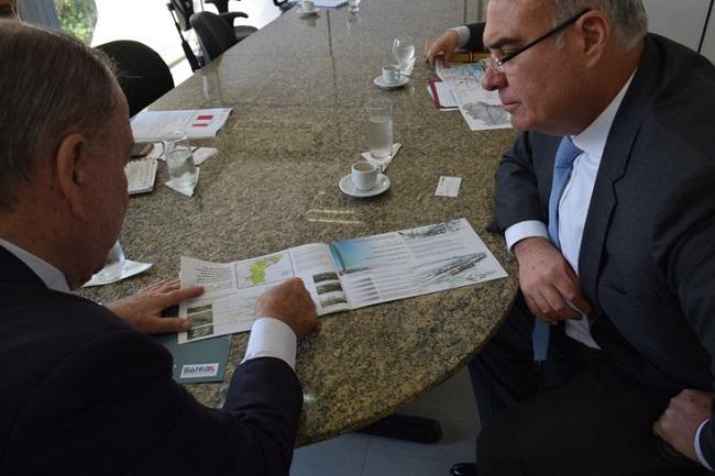 João Leão recebe visita do embaixador do Peru no Brasil