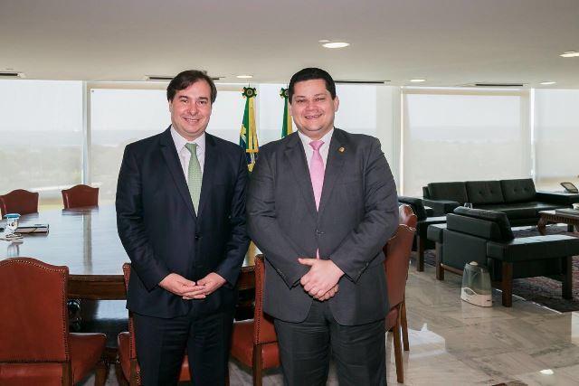 Alcolumbre e Maia reagem a pronunciamento de Bolsonaro