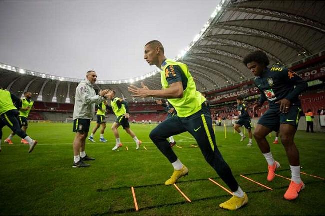 Seleção masculina joga amistoso contra Honduras neste domingo