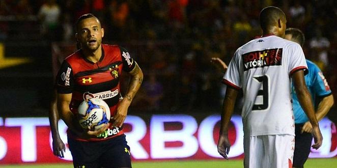Vitória leva 3 a 1 do Sport e cai para a lanterna da Série B