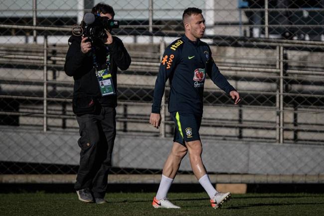 Brasil treina sem três jogadores para semifinal contra Argentina