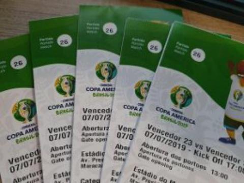Polícia prende grupo que vendia ingressos falsos para final da Copa América