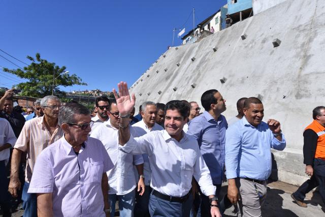 Bom Juá recebe uma das maiores contenções de encosta feitas pela Prefeitura de Salvador