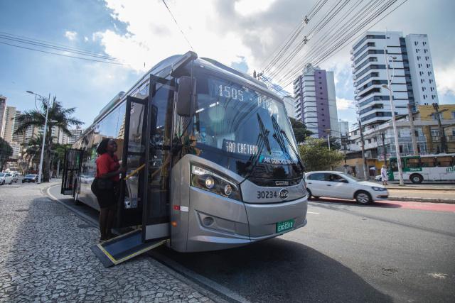 Salvador deve concluir testes de ônibus elétrico em 30 dias