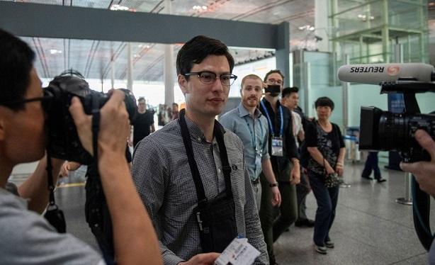 Coreia do Norte liberta estudante australiano desaparecido há uma semana