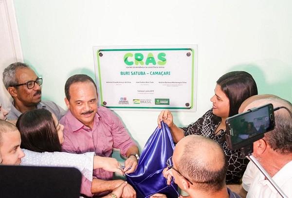Elinaldo entrega novo Centro de Referência de Assistência Social em Burissatuba