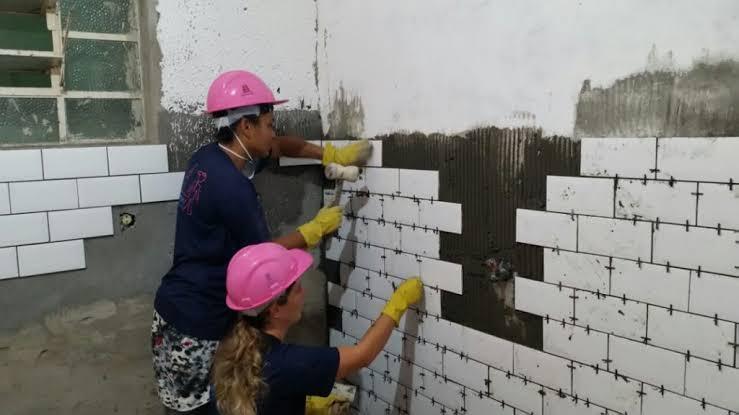 Salvador vai ganhar programa de capacitação para mulheres na construção civil