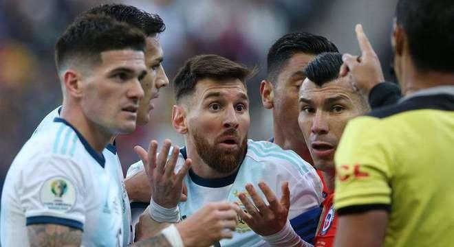 Conmebol diz que acusações de Messi sobre corrupção são inaceitáveis