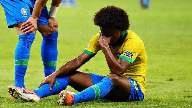 Lesão tira o atacante brasileiro Willian da final da Copa América