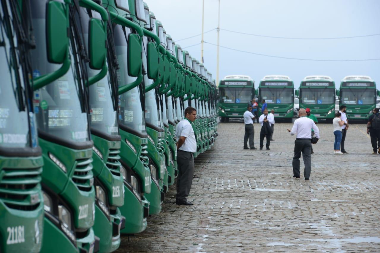 Novos ônibus com ar-condicionado começam a circular nesta sexta em Salvador