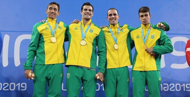Natação do Brasil conquista três ouros na sua estreia no Pan