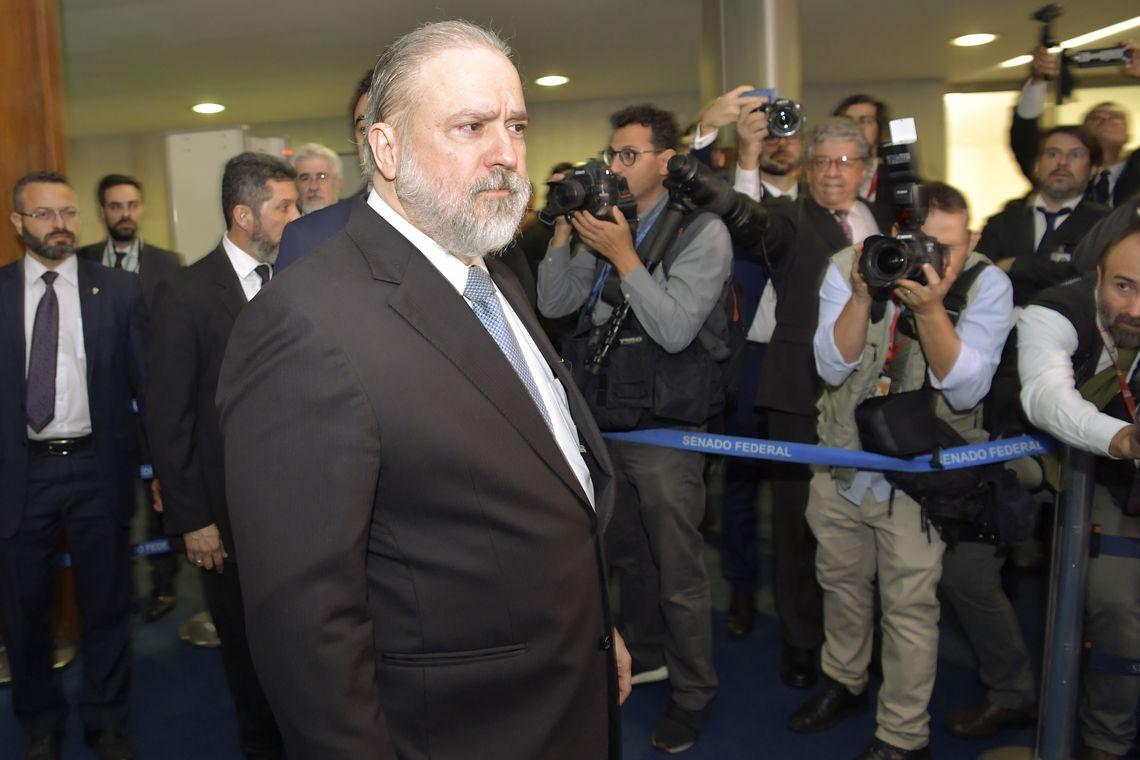 Aras diz que Brasil precisa combater corrupção e destravar economia