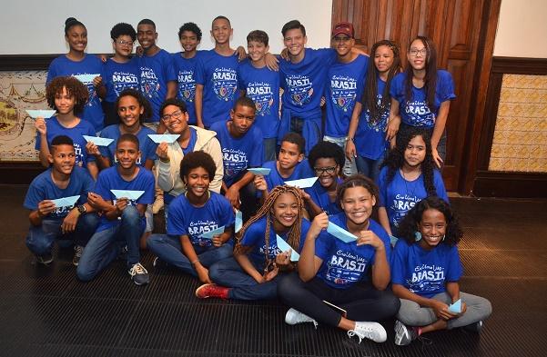 Onze alunos da rede municipal de Salvador farão intercâmbio em Portugal