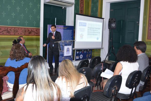 Prates e Dantas explicam projeto das Residências em Saúde, Novos Talentos e CGM na Câmara de Salvador