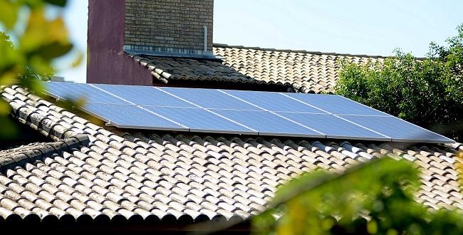 Coelba vai lançar projeto com desconto de 50% em placas de energia solar