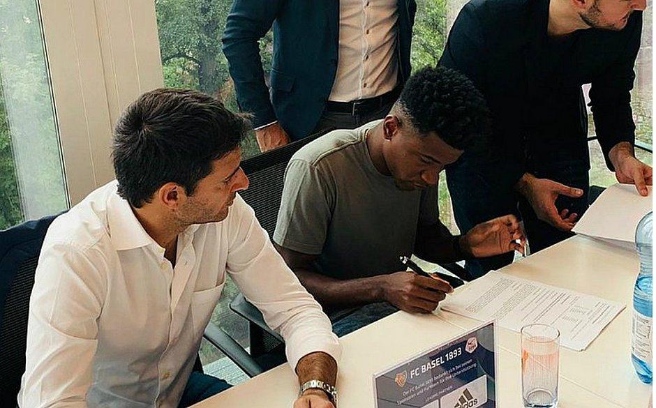 Bahia empresta o meia Eric Ramires ao Basel da Suíça