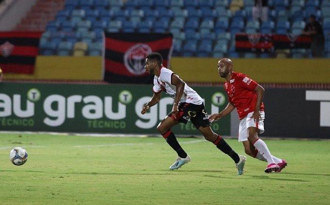 Fora de casa, Vitória bate o Vila Nova-GO por 2 a 0; veja os gols