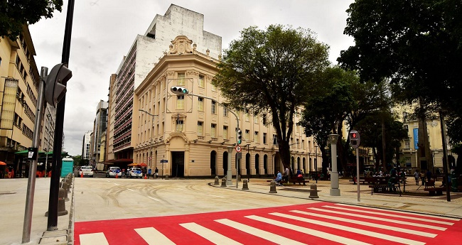 Comércio terá shows gratuitos de Beto Barbosa, Mambolada e Jorge Zárath