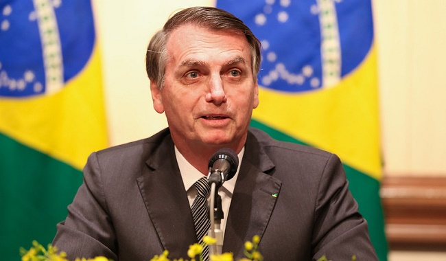 "Bolsonaro diz ter ""canal aberto"" com Trump para falar de tarifas"