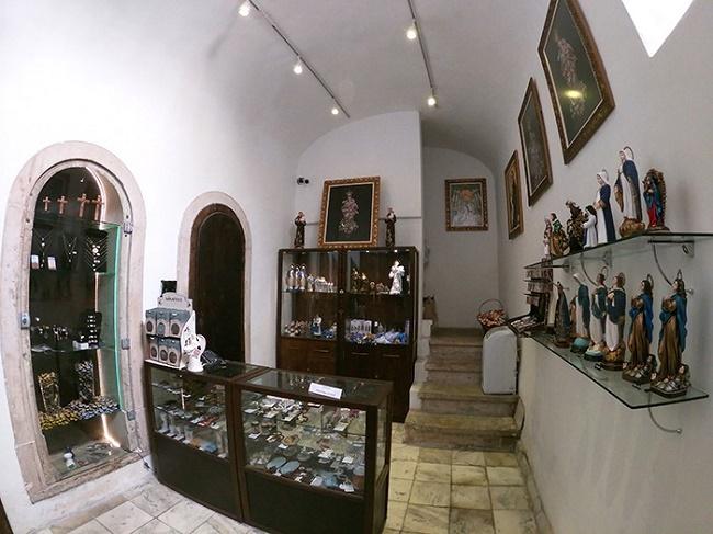 Igreja da Conceição da Praia inaugura loja de produtos religiosos
