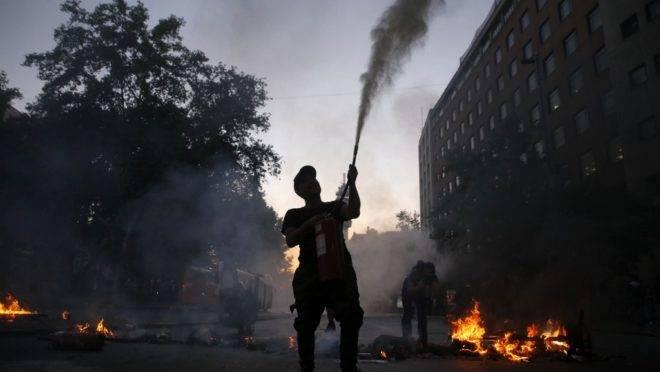 Piñera demite oito ministros, mas violência continua no Chile